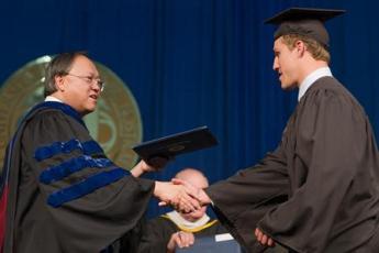 Anders Lee graduating (MC)
