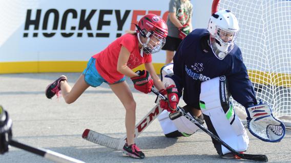 Blackhawks And United Center To Host First U S Based Hockeyfest On